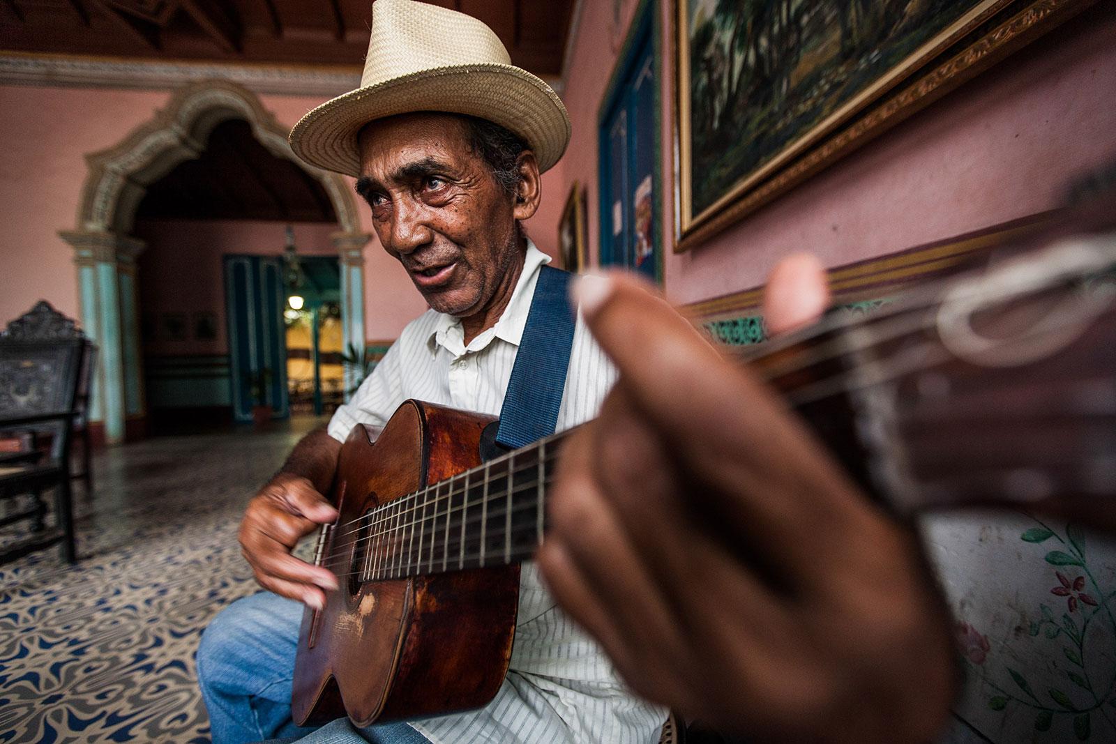 Gitarrenspieler in Trinidad - Kuba